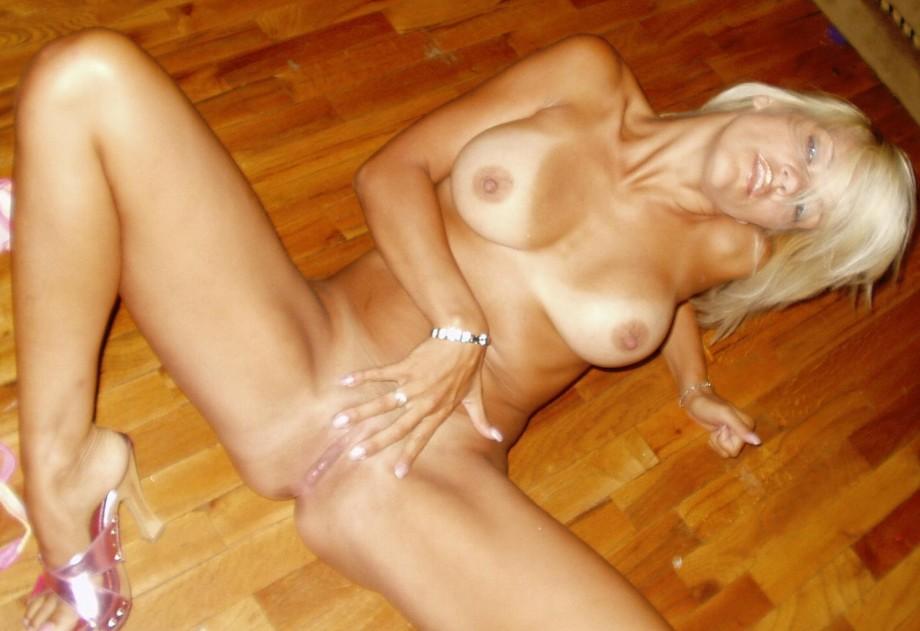Blonde Girl Masturbation with Big Dildo TOP