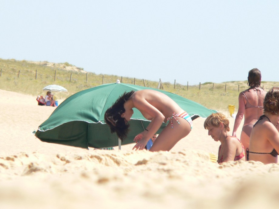 TEEN ON NUDIST BEACH SET Young Teen Girl FKK 5 TOP ...