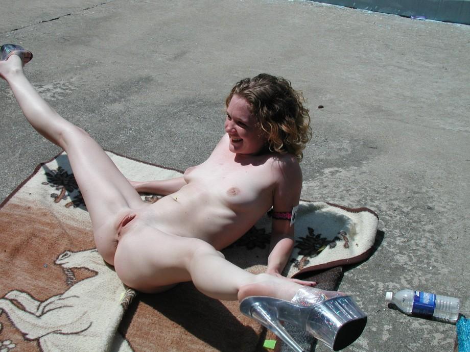 hot sexy nude brunette ass legs