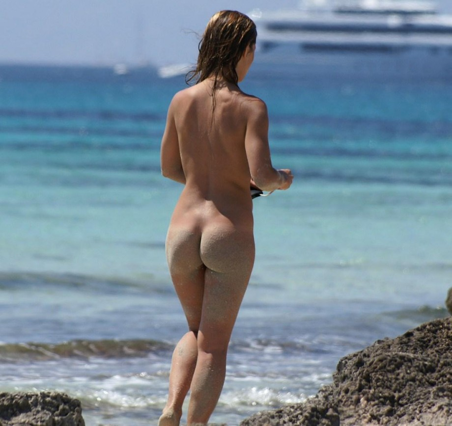 TEEN ON NUDIST BEACH SET **** Young Teen Girl FKK