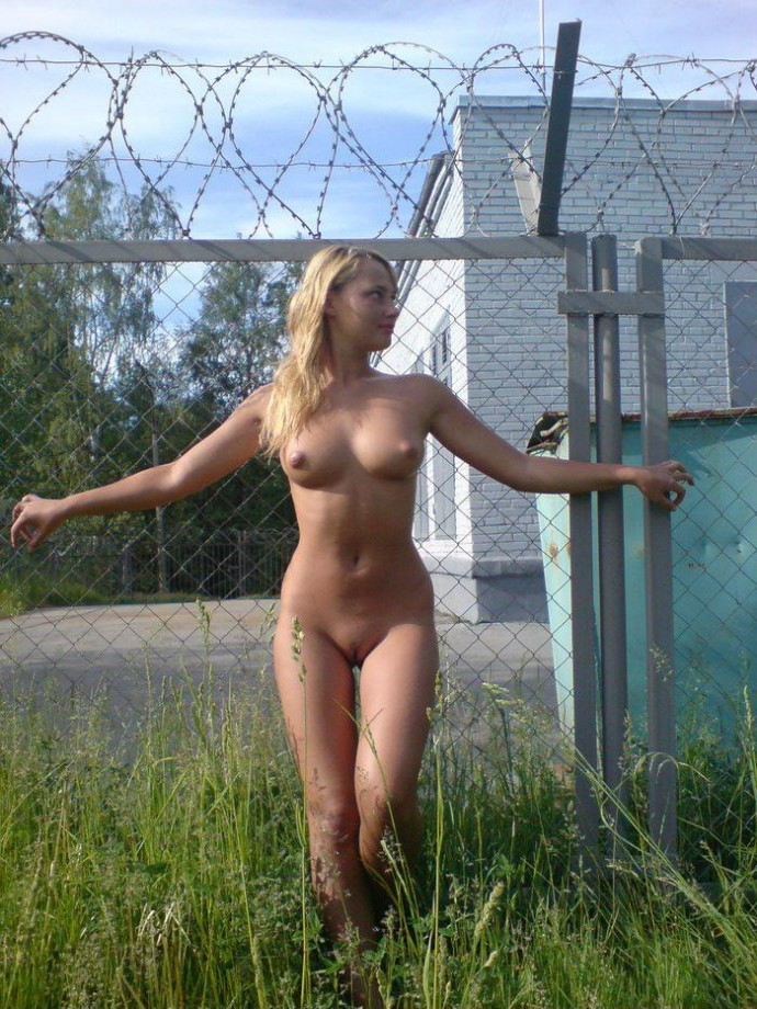 Sexy Nudist  Blonde posing Naked Outdoors