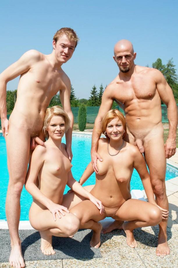 голый муж с семьей фото