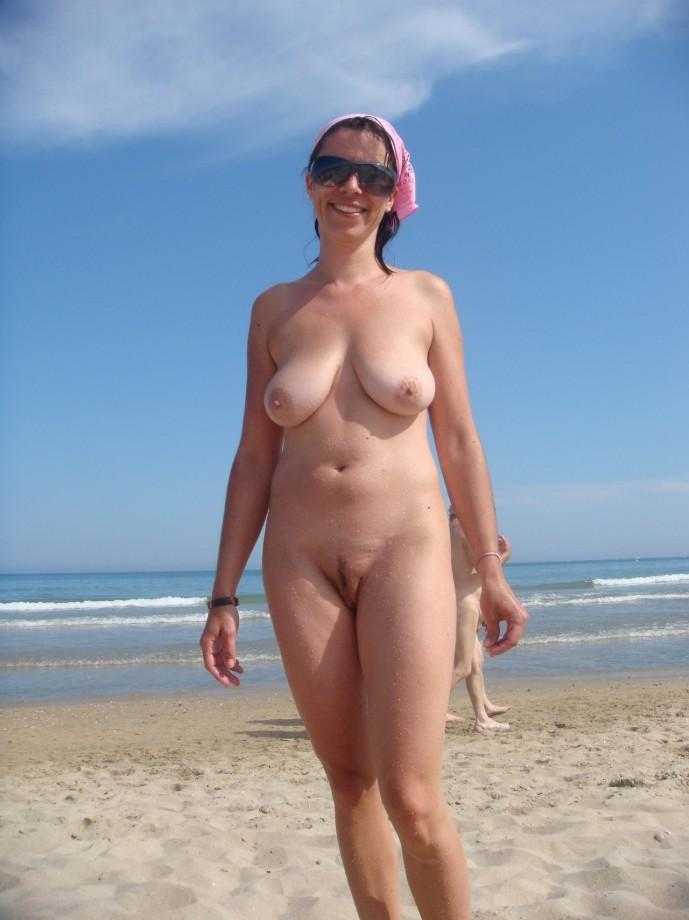 видео пляжные фото голых зрелых волосатых без регистрации