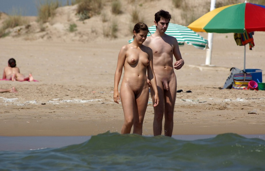 Nude Girls on the Beach – 261
