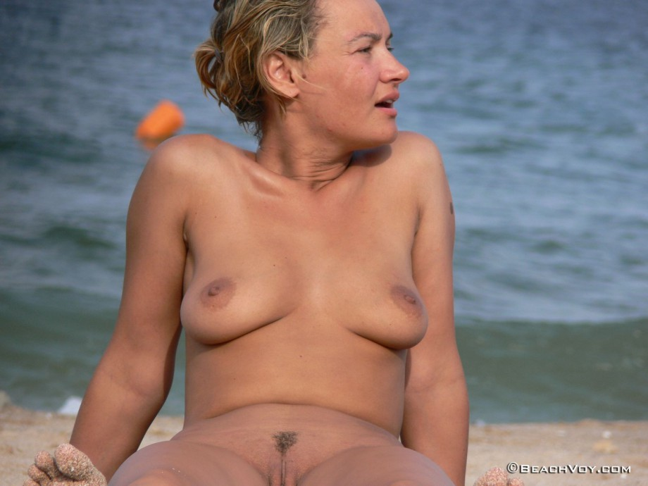 Nude Girls on the Beach – 256