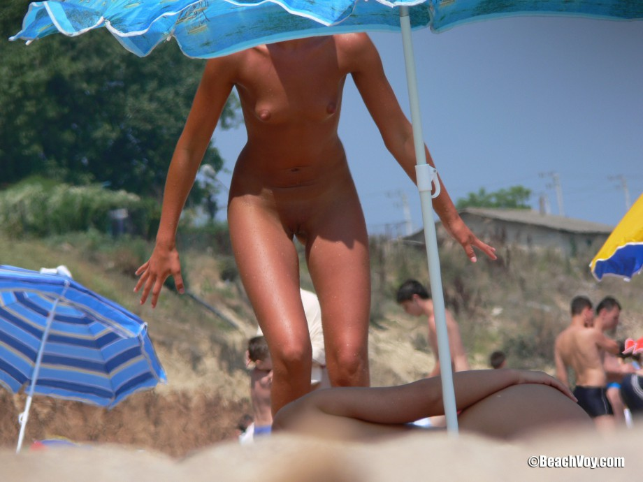 Nude Girls on the Beach – 209