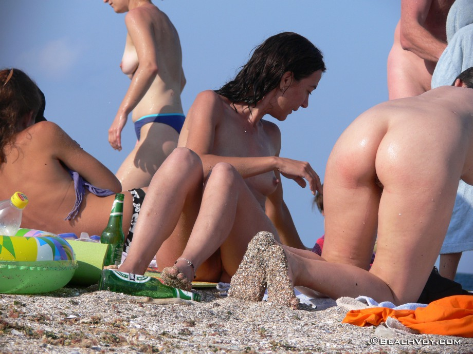 Nude Girls on the Beach – 166