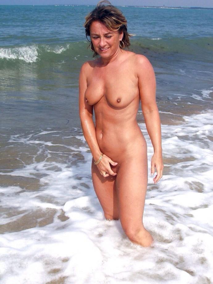140428 – Lifes A Beach