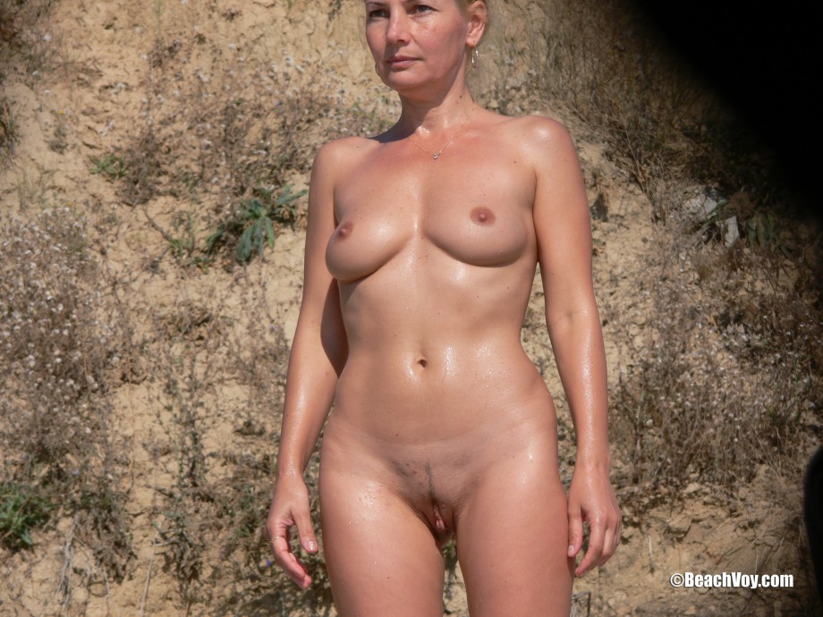 Nude Girls on the Beach – 391