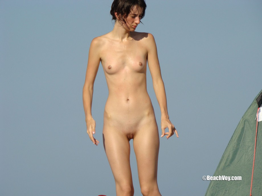 Nude Girls on the Beach – 327