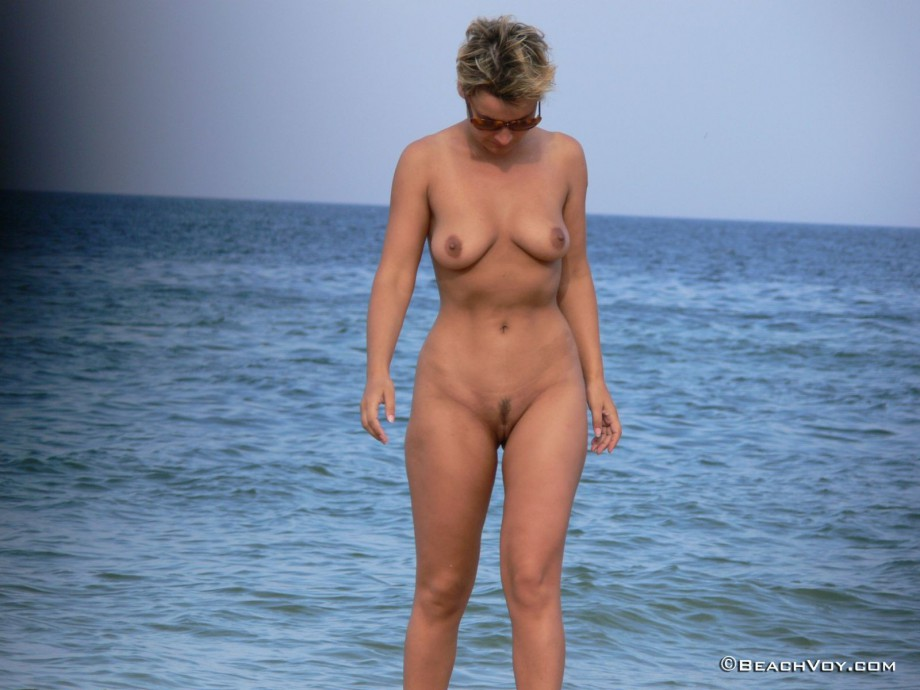 Nude Girls on the Beach – 368