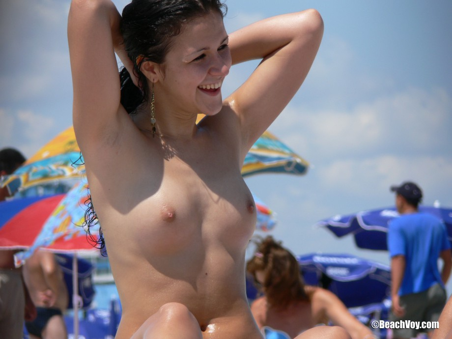 Topless Girls on the Beach –  002