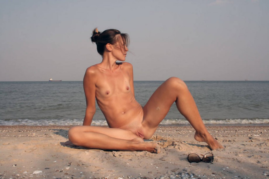 Nude Girls on the Beach – 257 – Small Tits