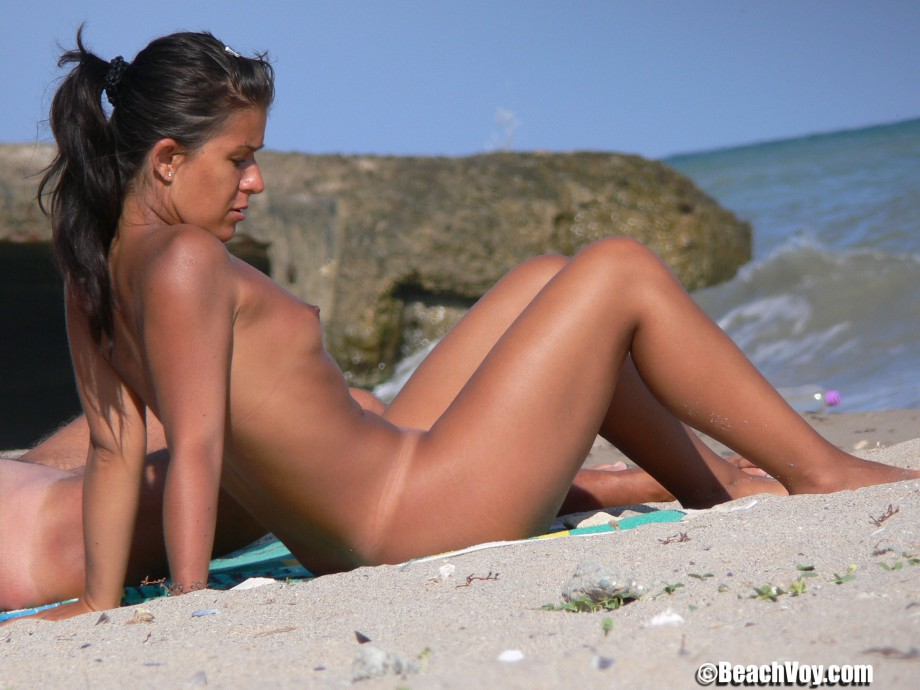 Nude Girls on the Beach – 265