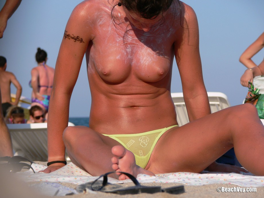 Topless Girls on the Beach – 088 – Part 3