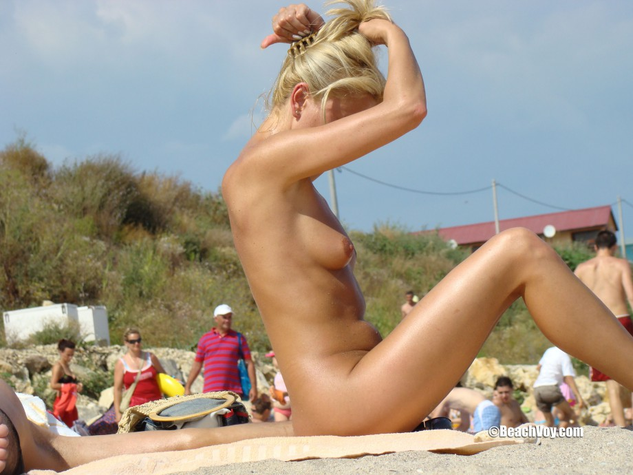 Nude Girls on the Beach – 276 – Part 1