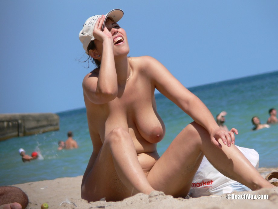 Nude Girls on the Beach – 251