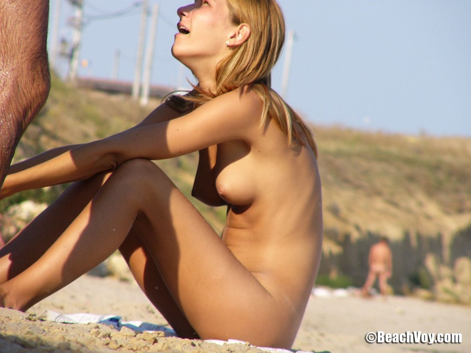 Nude Girls on the Beach – 326