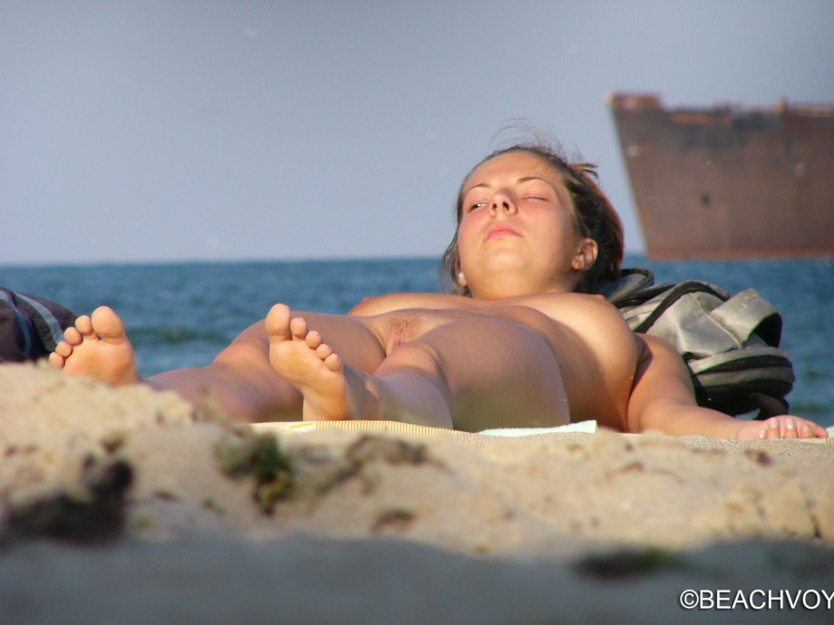 Nude Girls on the Beach – 329 – Part 2