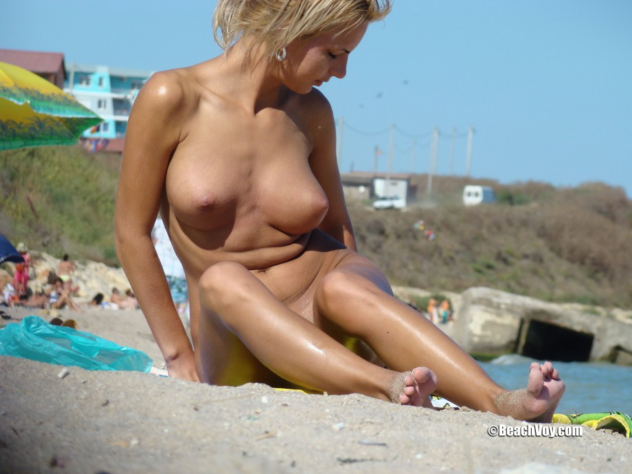 Nude Girls on the Beach – 219 – Part 2