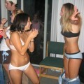 Young girls at party- drunk teenagers - amateurs pics 15
