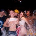Night party - drunk teenagers - amateurs pics 01