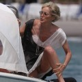 Celeb - sharon stone - nice spreaded upskirt