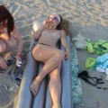 Amateur beach babes
