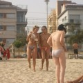 Amateurs girl topless at the beach - spy photos 01