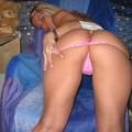 Süße Blondine in sexy Unterwäsche