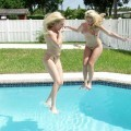 Lesbian swimmingpool party