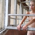 Pikotop - girlfriend naked pose in ruined building