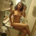 Shaved girlfriend selfshotting