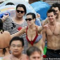 Katy perry - bikini candids at atlantis paradise island - celebrity